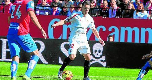 Konoplyanka perdió la titularidad en favor de Krohn-Dehli.