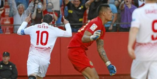 Reyes, celebrando el gol.