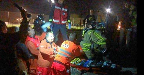 Imagen del momento del rescate en Sevilla Este.