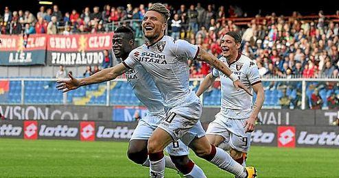 Immobile celebra uno de sus goles ante el Genoa.