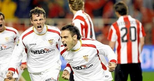 Duscher, celebrando un gol anotado en Copa del Rey, en la última eliminatoria en la que se cruzaron Athletic y Sevilla.