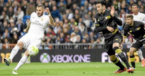 Benzema, autor del primer gol del partido.