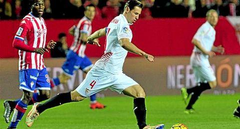 Lance del Sevilla-Sporting de la primera vuelta.