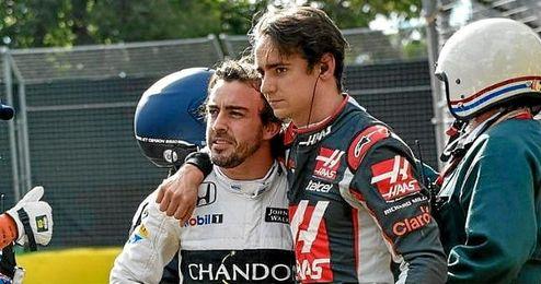 En la imagen, Fernando Alonso tras el accidente sufrido.