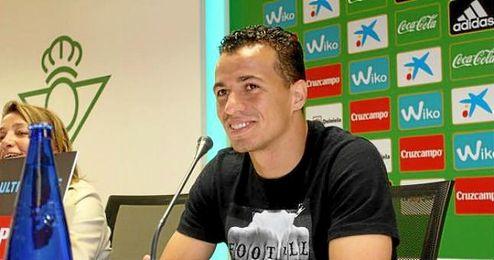Damiao se expresó en portugués ante los medios de comunicación.