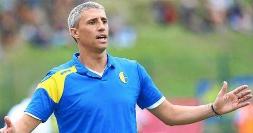 El propio club ha emitido un comunicado anunciando la destituci�n de Crespo, que lleg� al cargo en 2015.