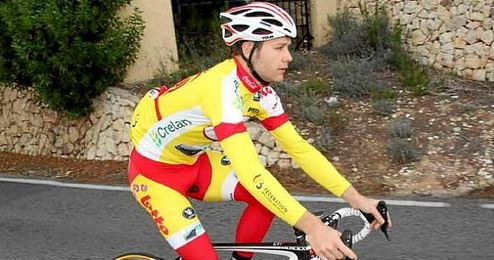 En la imagen, el ciclista belga Antoine Demoitie.