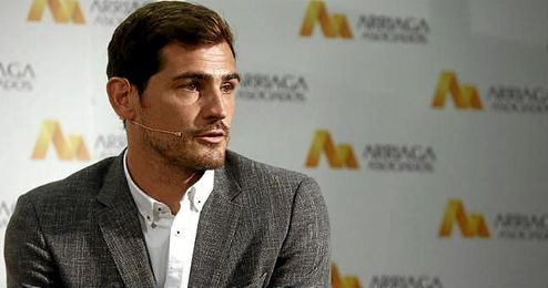 En la imagen, Iker Casillas durante una rueda de prensa.
