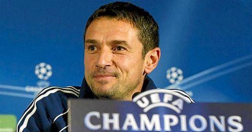 En la imagen, el ya ex técnico del Aston Villa, Remi Garde.