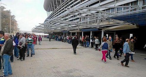 La afición del Recreativo de Huelva ha vuelto a responder con apoyo masivo.