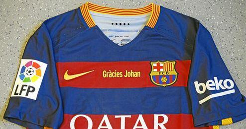 En la imagen, la camiseta que mañana lucirá el F.C. Barcelona.
