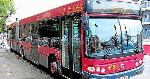 Imagen de un autobús de línea de Tussam en Sevilla.