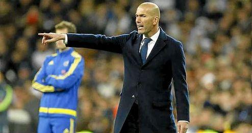 El técnico del Real Madrid, Zinedine Zidane, en su primer Clásico como entrenador.