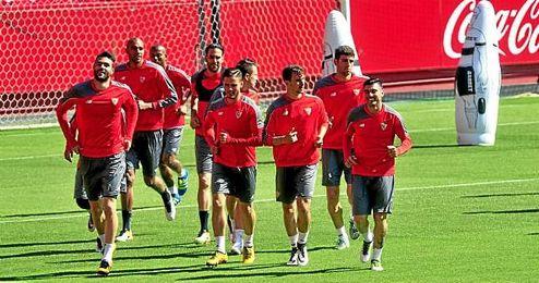 Imagen del entrenamiento del Sevilla en el Sánchez Pizjuán.