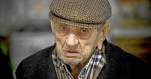Francisco Nu�ez Olivera tiene 111 a�os de vida.