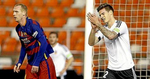 Santi Mina, durante el partido de Liga ante el Barcelona.