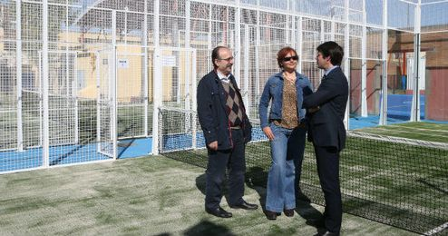 David Guevara, Esther Movilla y Manuel Nieto, en la inauguraci�n.