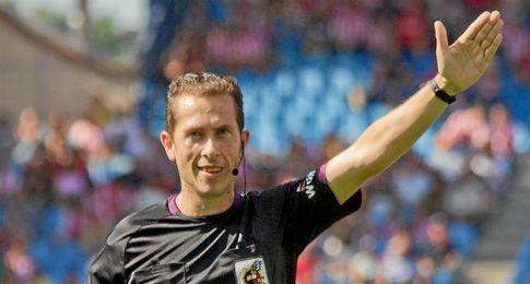 González González, árbitro del partido.