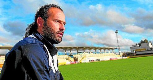 Carlos Alberto, en un momento de la entrevista concedida a ESTADIO en el Guadalquivir de Coria.