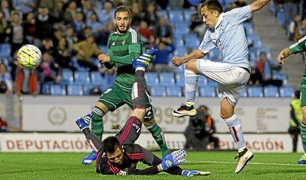 Adán, en un lance del partido ante Orellana.
