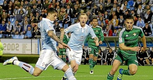 Imagen del partido entre el Celta y el Betis en Balaídos.