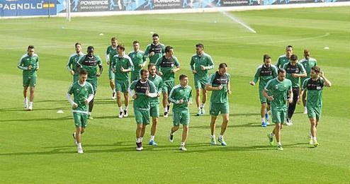 La próxima semana habrá novedades con respecto al director deportivo, tal y como anunció Ángel Haro.