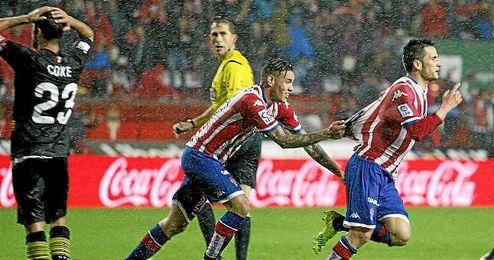 Isma López celebrando su gol ante el Sevilla.