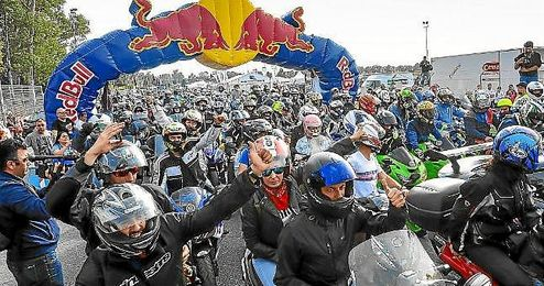 Miles de amantes al motociclismo se dan cita en Jerez este fin de semana.