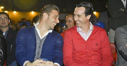 Joaquín junto a Emery, en un acto promocional.