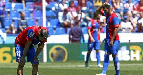 Los jugadores del Levante acabaron desolados tras el empate.
