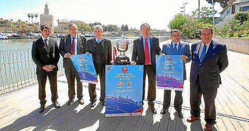 Juan Espadas y David Guevara, en la presentaci�n de la final de la Copa del Rey.
