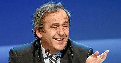 La Comisión de Ética sancionó a Platini por incumplir el Código Ético al haber recibido un pago de dos millones de francos suizos.