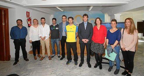 David Guevara, delegado de deportes, en la presentaci�n de la Carrera Intercentros por la Inclusi�n.