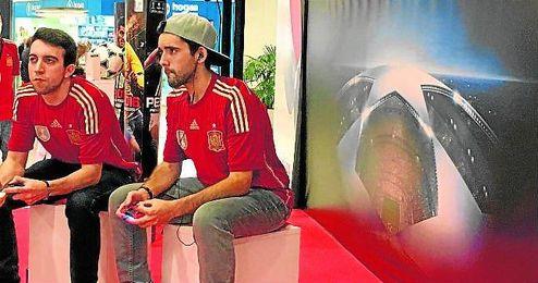 Pablo Ruiz (con gorra) durante la final española de la PES League, que se disputó en Madrid.