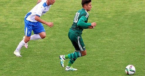 Narv�ez, en el partido frente al Marbella FC.