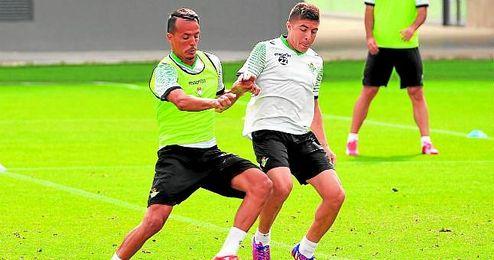 Foued Kadir y Francisco Portillo, con contrato hasta 2017 y 2018, respectivamente, no tienen claro su futuro.