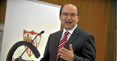 El Presidente del Sevilla F.C, Pepe Castro.