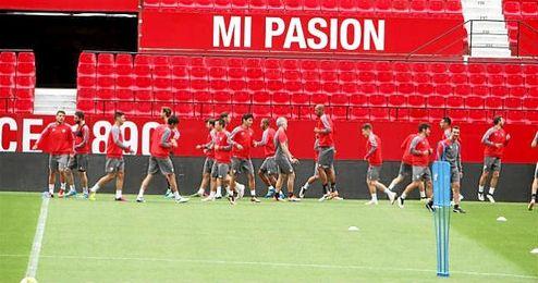 Imagen del último entrenamiento del Sevilla antes del partido.