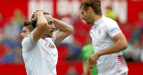 Juan Muñoz se lamente por ocasión fallada.