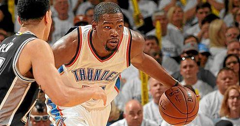 Durant igualó su mejor marca anotadora en ´play offs´ con 41 puntos.