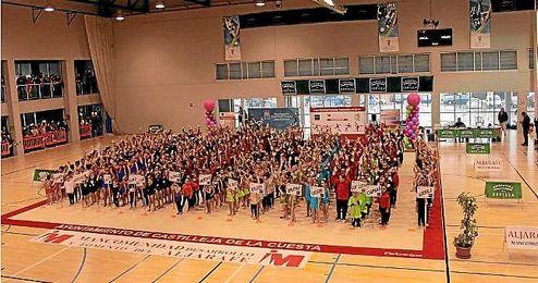 Todas los municipios participantes recibieron Trofeo a la participación.