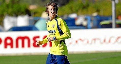 Tomás Pina durante un entrenamiento con el Villarreal.