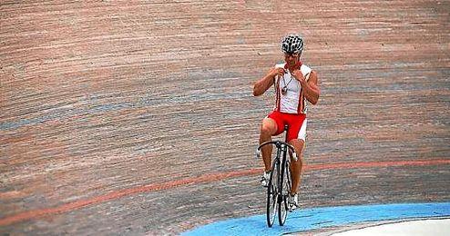 El ciclista J.A. Escuredo