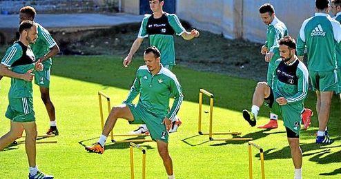 Kadir durante un entrenamiento con el Betis