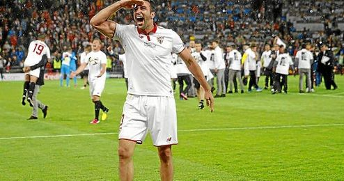 Rami saluda a los aficionados que se desplazaron a Basilea