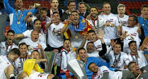 Celebración del Sevilla en Basilea.