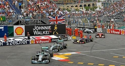 Con 18 a�os, 7 meses y 15 d�as, Verstappen hizo historia en el Gran Premio de Espa�a convirti�ndose en el vencedor m�s precoz.