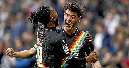 Jozabed celebra un gol con el Rayo Vallecano.