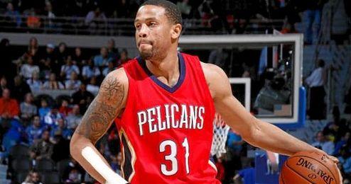 El escolta de 1,98 metros hab�a promediado 5,6 puntos y 3,4 rebotes en 14 juegos con los Pelicans, tras debutar en la NBA en enero.