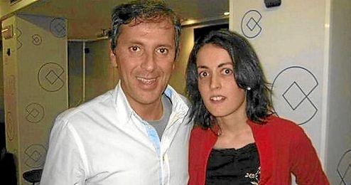 Imagen de archivo de Paco González, junto a Lorena Gallego.